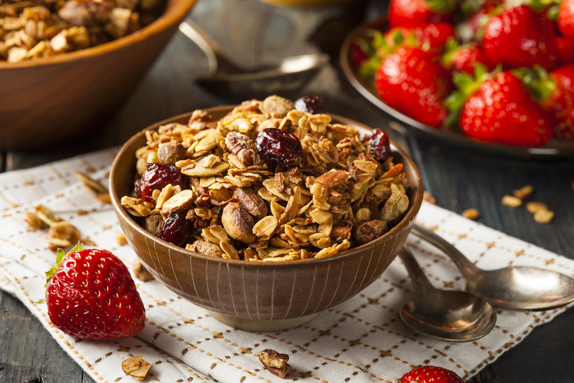 granola-mit-cranberries-und-pistazien