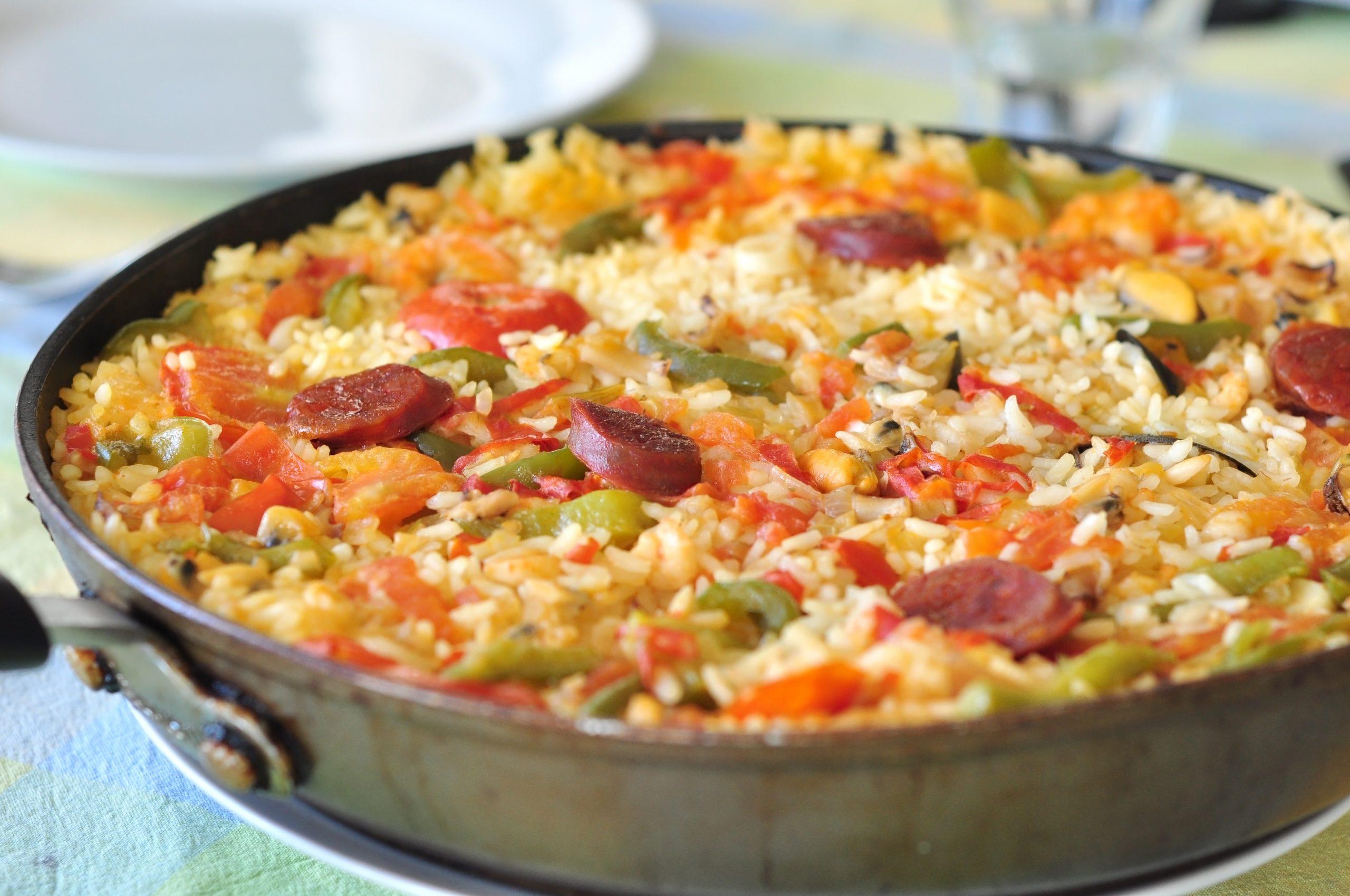 paella-mit-paprika-und-chorizo