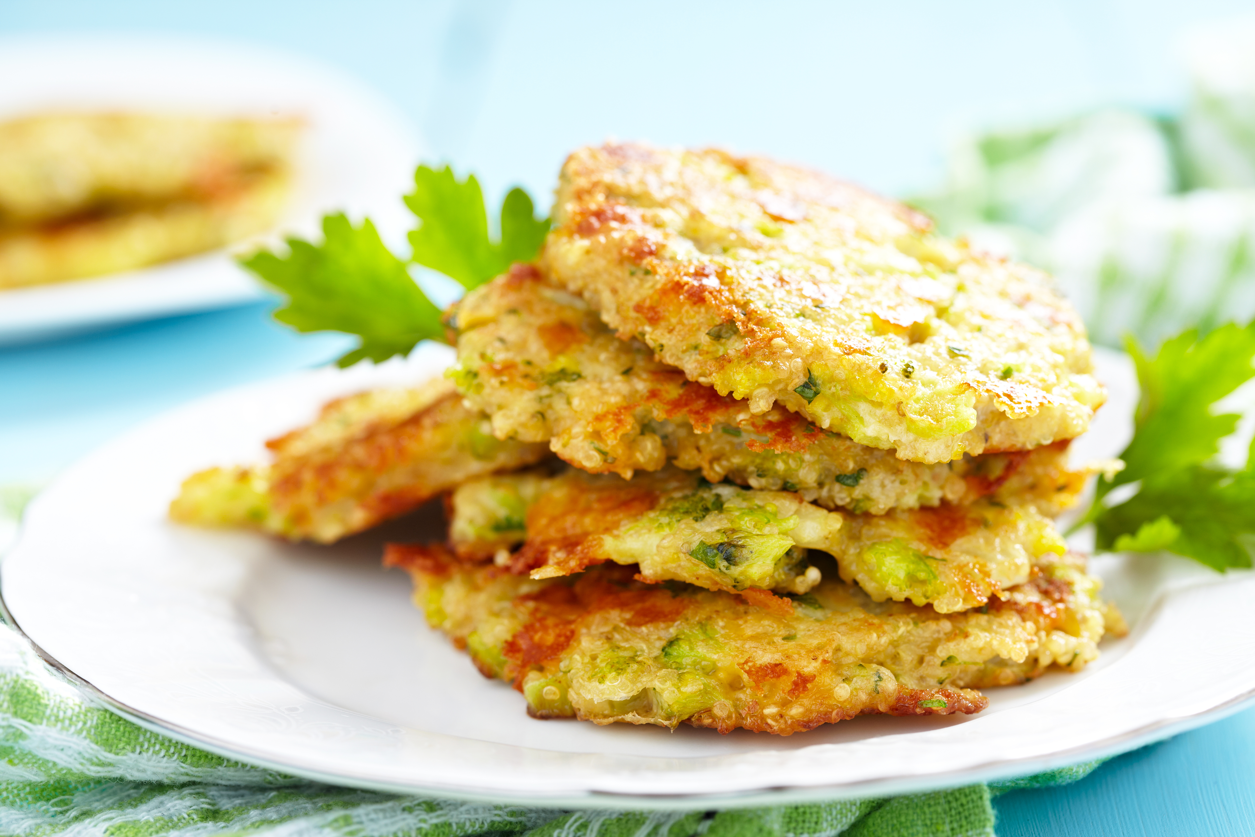 reibekuchen-mit-brokkoli-quinoa-paprika-und-kaese